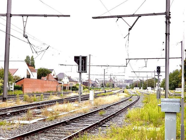 Opnieuw treinverkeer tussen Brugge en Blankenberge na beschadigde bovenleiding