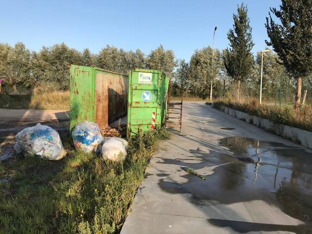 Brand in afvalcontainer vlakbij brandweerkazerne van Veurne
