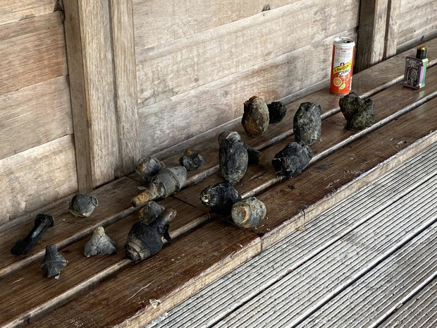 Magneetvissers halen tien bommen en vier granaten uit het water
