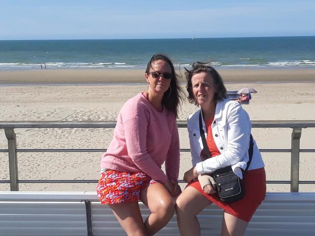 Chris en Christine wandelen Belgische kust af voor kankerpatiëntjes