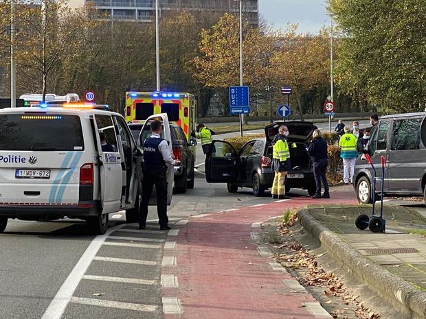 Fietser naar ziekenhuis na ongeval op Brugse ring