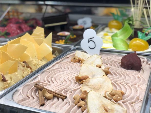 IJs van stoofperen en cashewnoten is het lekkerste op Junior Gelato Chef wedstrijd