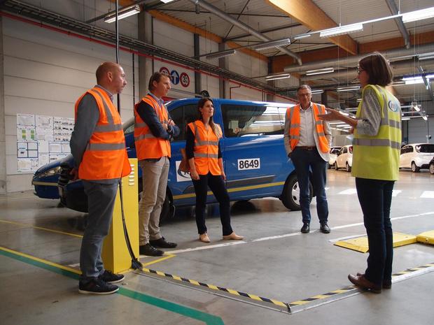Parlementsleden N-VA brengen bezoek aan Zeebrugse bedrijven