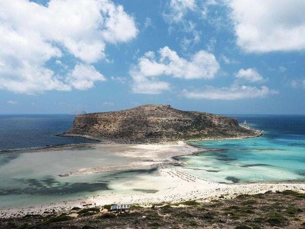 Des îles grecques coupées du monde par une grève