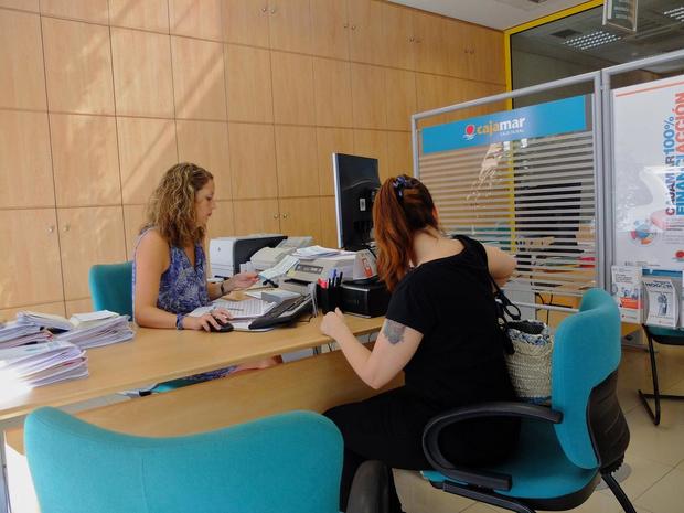 L'idée de convertir banquiers en infirmiers fait flop