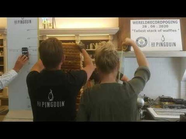 Blankenbergse broers breken wereldrecord wafels stapelen