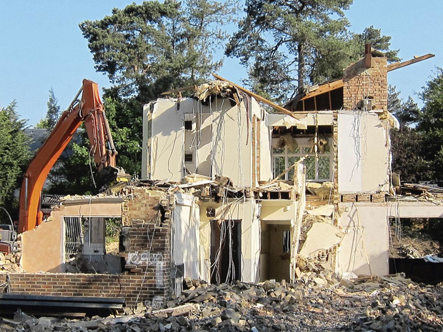 Démolir pour mieux reconstruire?