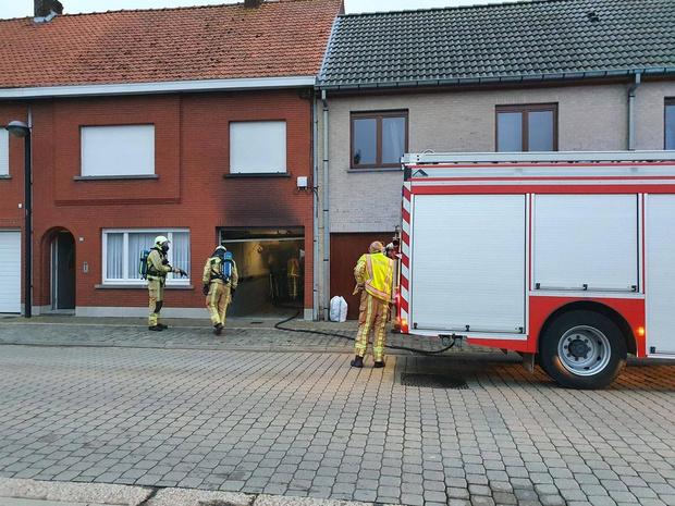 Elektrische storing veroorzaakt brand in garage rijwoning
