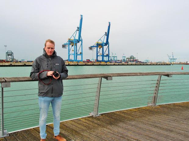 Tibo Deprest (CSP Zeebrugge) fotografeert en informeert over de haven