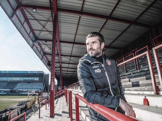 """Elsner déjà en réussite à Courtrai: """"Avoir entraîné en Ligue 1 rend les choses plus convaincantes"""""""