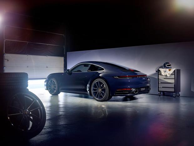 Porsche célèbre les 75 ans de Jacky Ickx