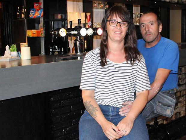 Monia en Pascal blazen Lauws café Pauline en Paulette nieuw leven in