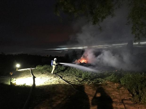 Tuin- en snoeiafval vat vuur in Alveringem