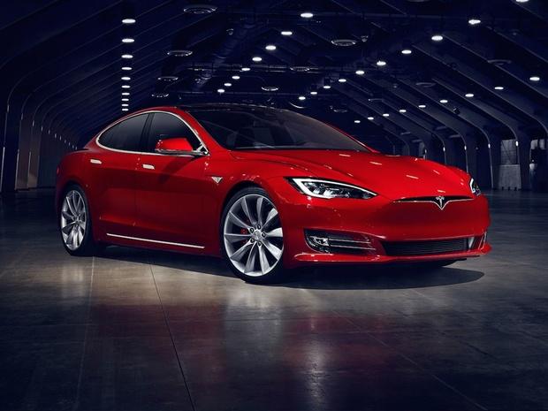 Un chercheur belge trouve une nouvelle faille sécuritaire dans la clé sans contact de Tesla