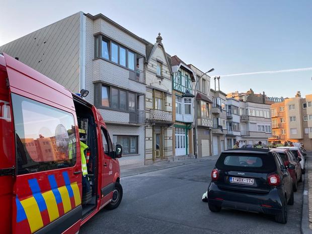 Instortingsgevaar oude woning dreigt, bewoonster geëvacueerd