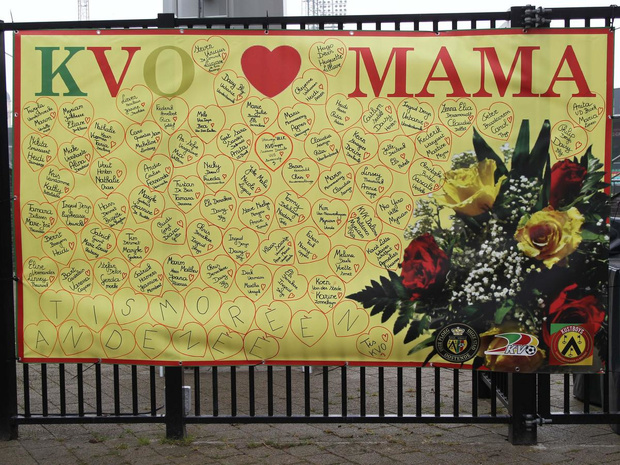 Supporter van KV Oostende pakt uit met unieke moederdagactie
