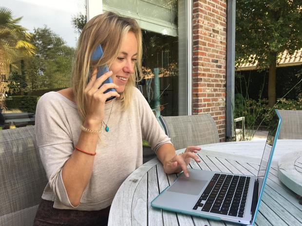 Delphine Delchambre is vrijwillige 'TelefoonSter' in Ingelmunster