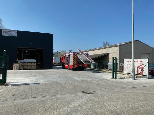 Kleine stofbrand in schrijnwerkersbedrijf in Brugge