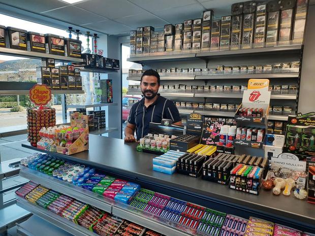 Pakistaan Adil Butt opent nieuwe shop 'Alizay' op de Bosmolens