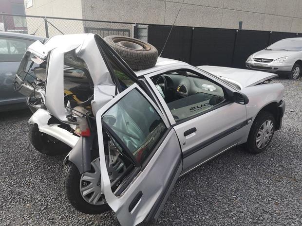 Jade (18) komt heelhuids uit zware autocrash veroorzaakt door onoplettende bestuurster