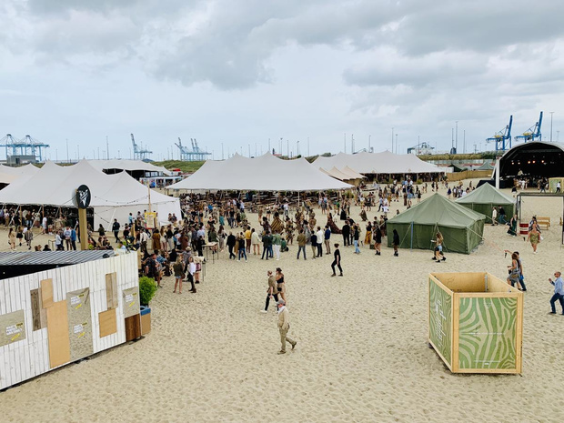 Organisatoren We Can Dance openen beachbar in Zeebrugge