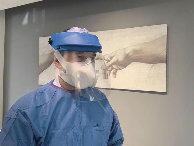 Un masque en polyéthylène contre le Covid-19