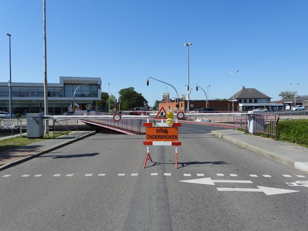 Krakelebrug in Brugge afgesloten