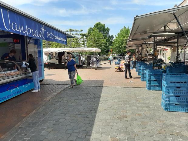 Wekelijkse markt succesvol heropgestart in Oostkamp