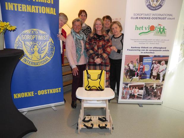 Soroptimist International Knokke-Oostkust schenkt aangepaste toiletstoel aan Het Vlot