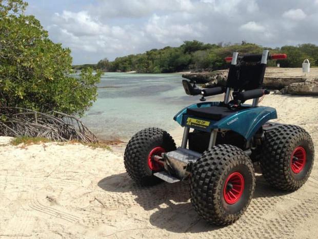 Primeur voor Blankenberge: voortaan kan je een elektrische rolstoel huren op het strand