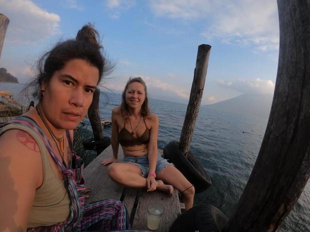 """Sarah uit Vlamertinge zit vast in Guatemala: """"Eten rantsoeneren en bang afwachten"""""""