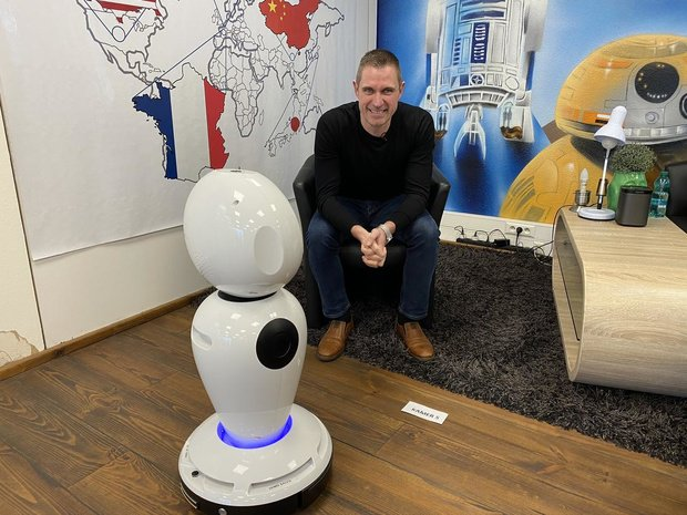 Zorabots stelt robots ter beschikking van woonzorgcentra in de strijd tegen isolement