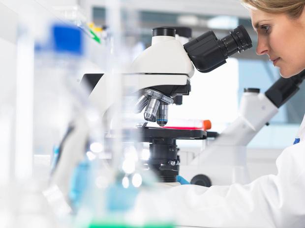 Nouveaux médicaments contre le cancer : le KCE plaide pour plus de transparence