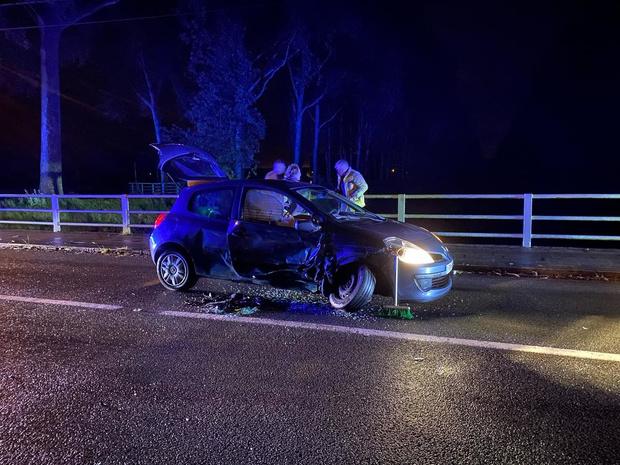 Veel schade maar geen gewonden bij zwaar ongeval aan brug in Oostkerke