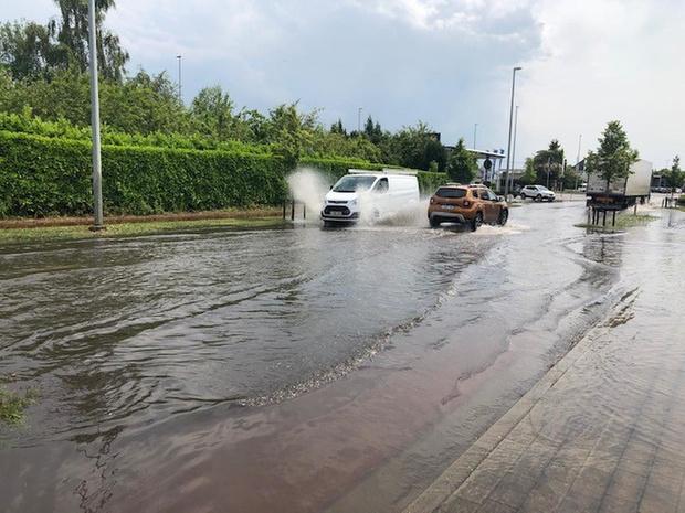 Onweer trekt weg uit West-Vlaanderen: autosnelwegen weer vrijgegeven