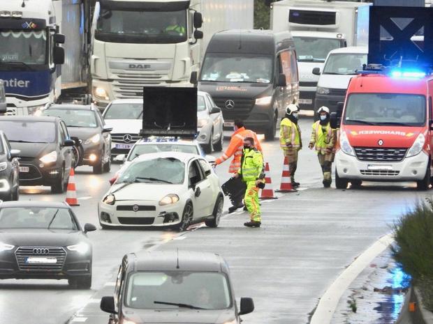Ongeval zorgt voor hinder op E40 richting kust