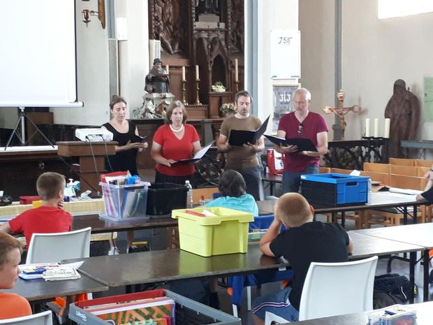 Vierstemmig Forlana Consort brengt leerlingen vijfde leerjaar in middeleeuwse sferen