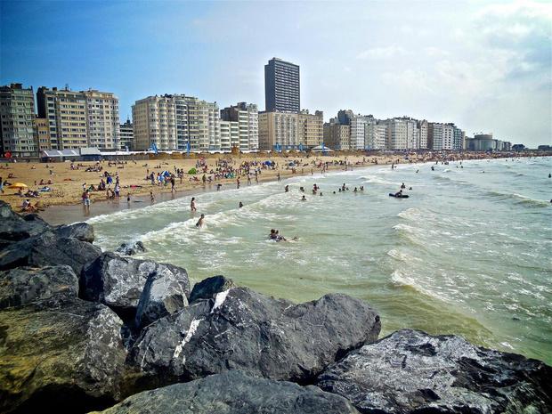 """VLIZ: """"Kans op besmetting via zand en zeewater heel klein"""""""