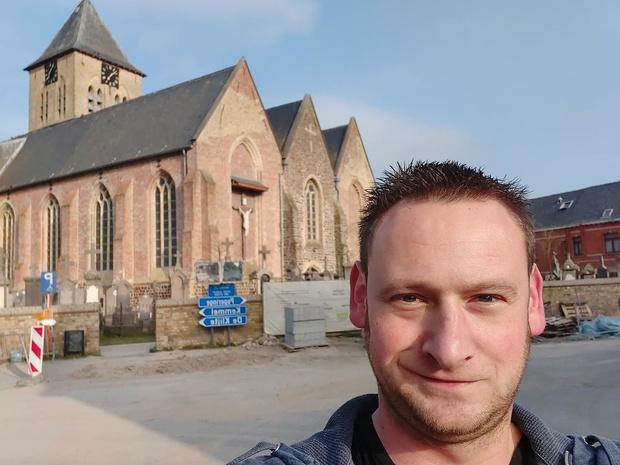 Michiel Gauquie uit Reningelst wil elke avond om 20 uur een gezamenlijk kloksignaal