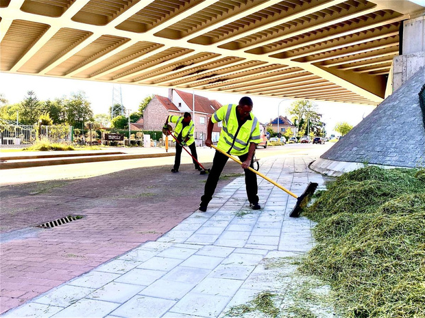 Lading hooi past niet onder de brug