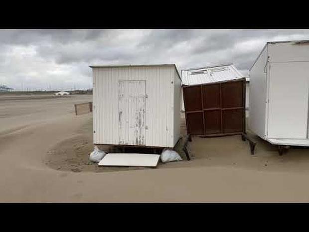Storm Francis vernielt strandcabines in Zeebrugge