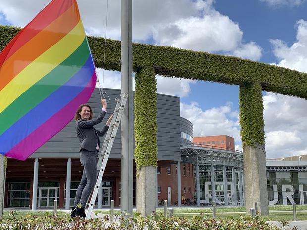 Ieper hijst de regenboogvlag tegen holebi- en transfobie