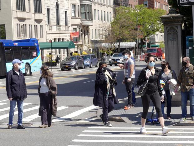 """L'épidémie à New York en phase """"descendante"""" mais prudence"""