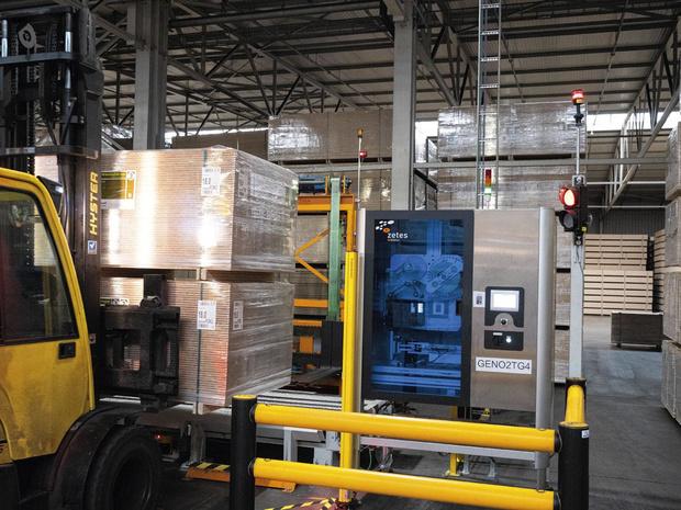 Norbord automatise l'étiquetage journalier de 1.400 palettes