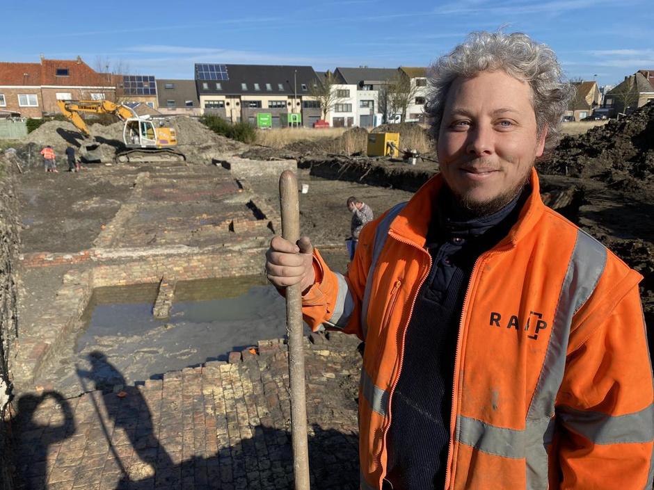 Archeologen leggen 400 jaar oude gewelven bloot in Oostende