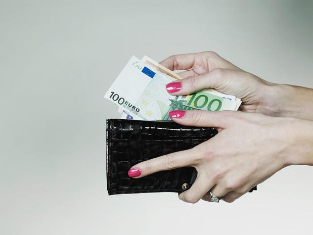 Hoge inflatie doet uitkeringen en ambtenarenweddes sneller dan verwacht stijgen