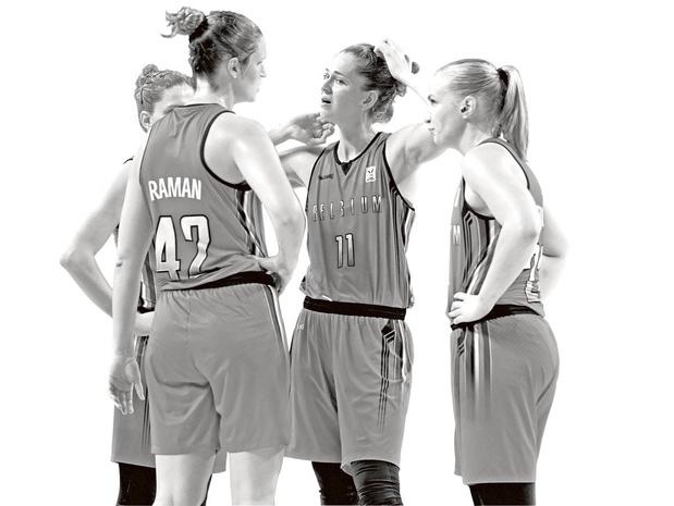 Le sport, un lieu de discrimination à l'égard des femmes (débat)
