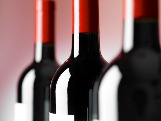 FSMA waarschuwt opnieuw voor frauduleuze beleggingsaanbiedingen in alcoholische dranken