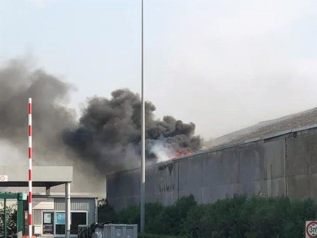 Slijpschijf veroorzaakt tweemaal brand in loods