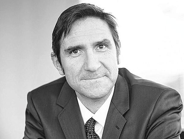Frank Vranken stopt als hoofdstrateeg bij de Antwerpse private bank. Het is nog niet bekend naar welke bank hij overstapt.